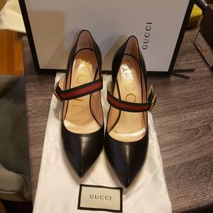 Gucci Slyvie Leather Pump